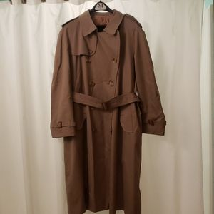 Mens Burberry Trench Coat with removable liner 44R
